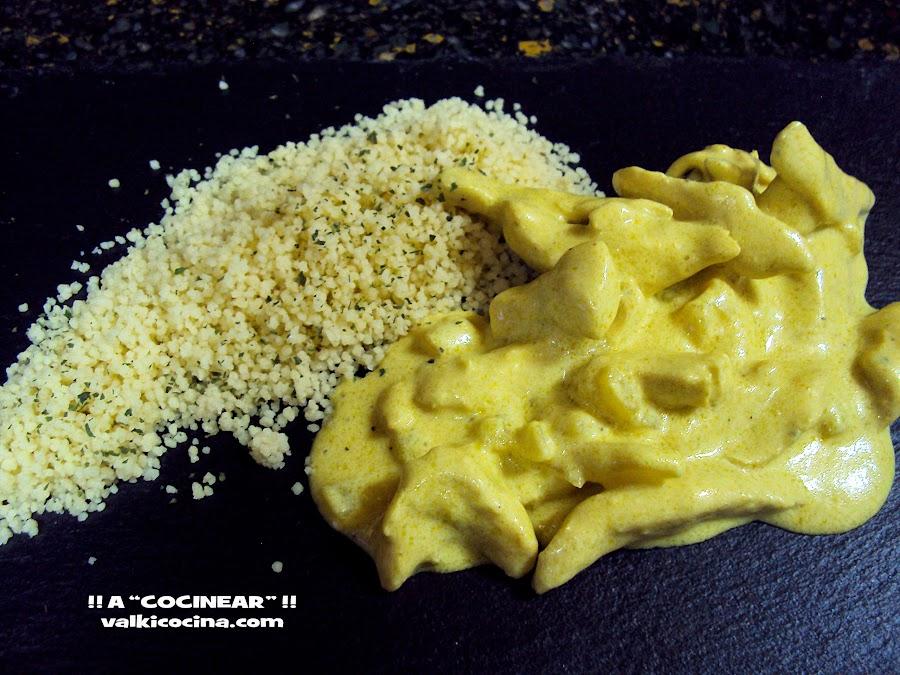 Pollo al curry con piña y cuscus