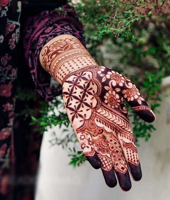 Indian Mehndi Design for front hand
