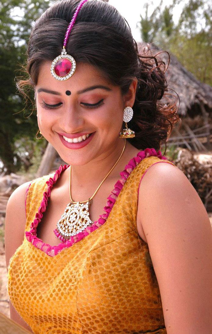 Bollywood Latest Fashion Actress Madhurima In Bridal Dress Stills