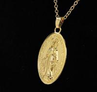 Vinci gratis una collana Alora con un bellissimo pendente