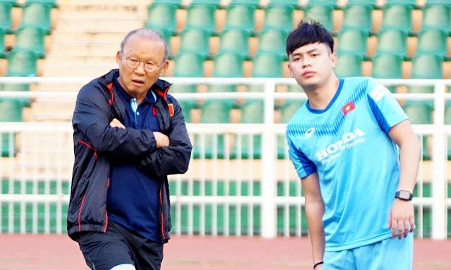 Trợ lý ngôn ngữ Vũ Anh Thắng sẽ đồng hành cùng thầy Park tại VCK U23 châu Á 2020.