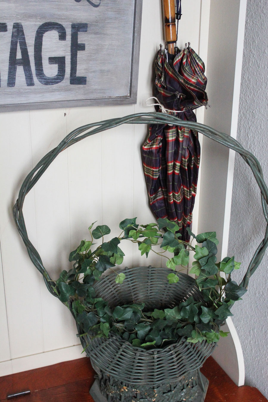 A Spring Entryway From Itsy Bits And Pieces Blog