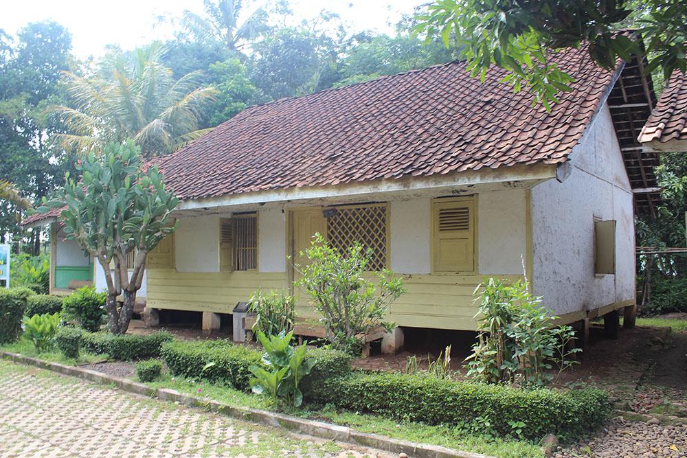 101+ Gambar Rumah Adat Kampung Pulo HD Terbaru