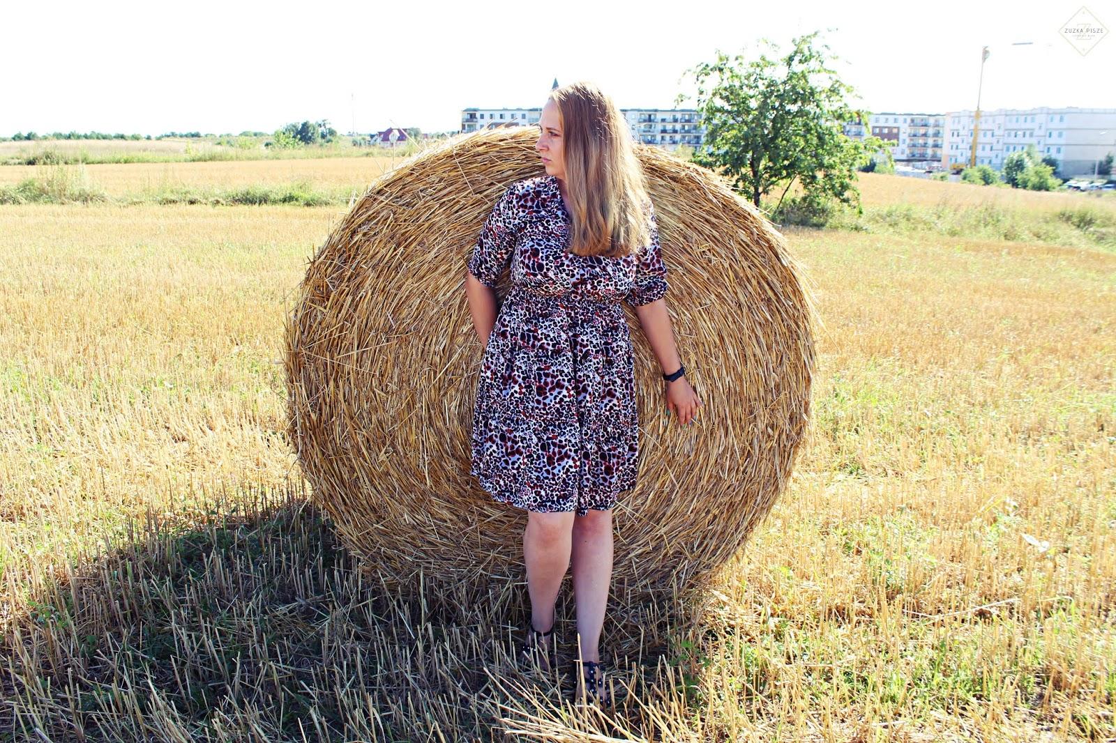 Rozkloszowana sukienka z rękawem 3/4 ALEKSANDRA - Grandio.pl
