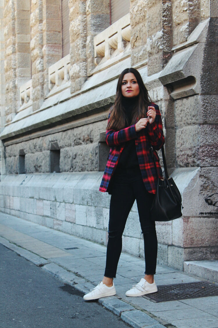 blazer tartan zapatillas blog de moda leon littleblackcoconut