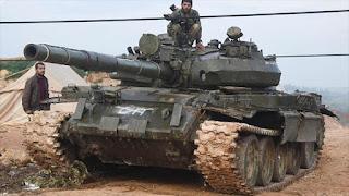 Ejército sirio avanza en Hama y halla armas de EEUU en Deir Ezzor