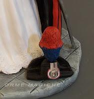 particolari statuina sposi capello carabinieri cake topper militare orme magiche