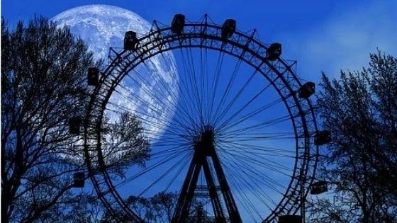 Голубая Луна в Полнолуние 31 октября 2020 года откроет 4 знакам зодиака дверь в новую и счастливую жизнь