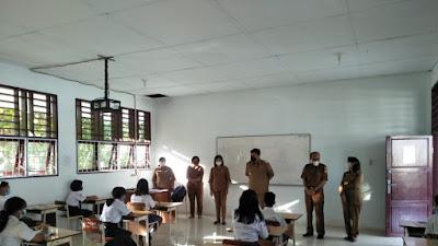 Bupati Monitoring Pelaksanaan Ujian Satuan Pendidikan di Samosir