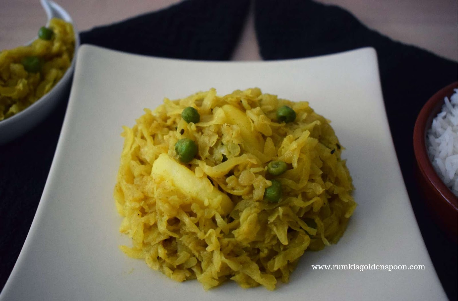 Bandhakopir Ghonto Bengali Style Dry Cabbage Peas Curry Rumki S Golden Spoon