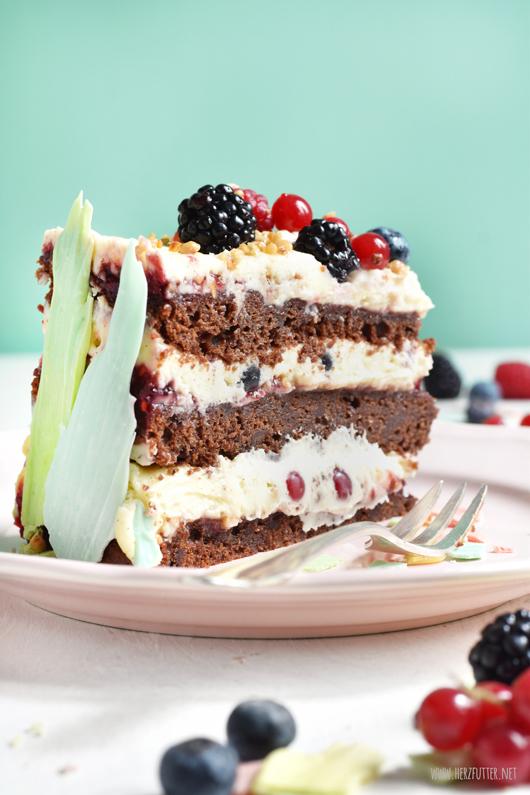 Brushstroke Cake mit Wildbeeren
