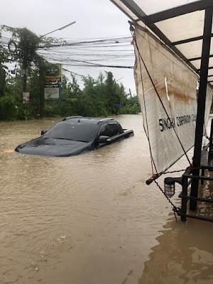 Форд Ранджер затопило под стекла