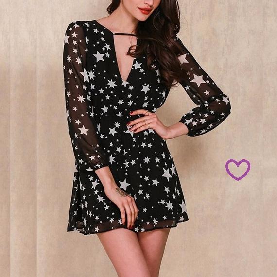 Vestido preto de estrelas
