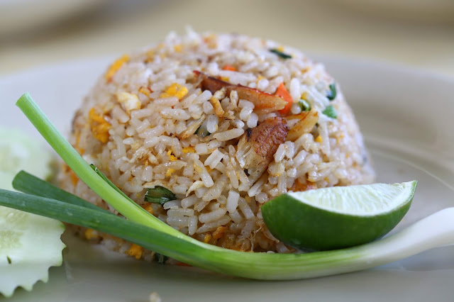 How to cook Thai Fried Rice Khao Pad - RictasBlog