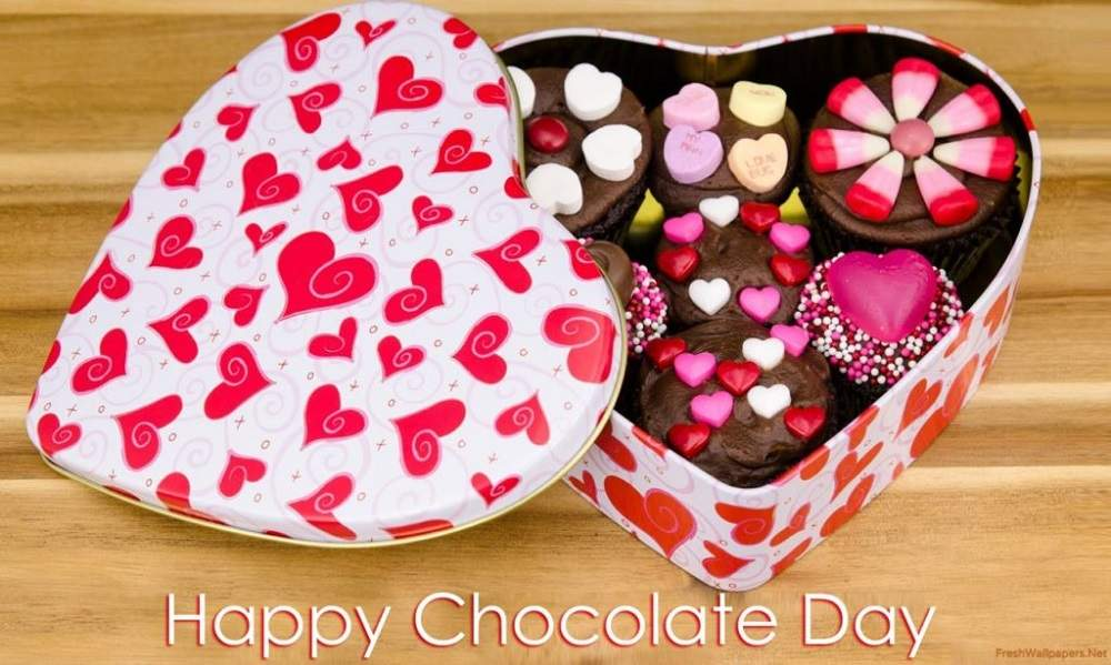 Lovely Happy Valentines Day Chocolate Pictures Inspiration ...