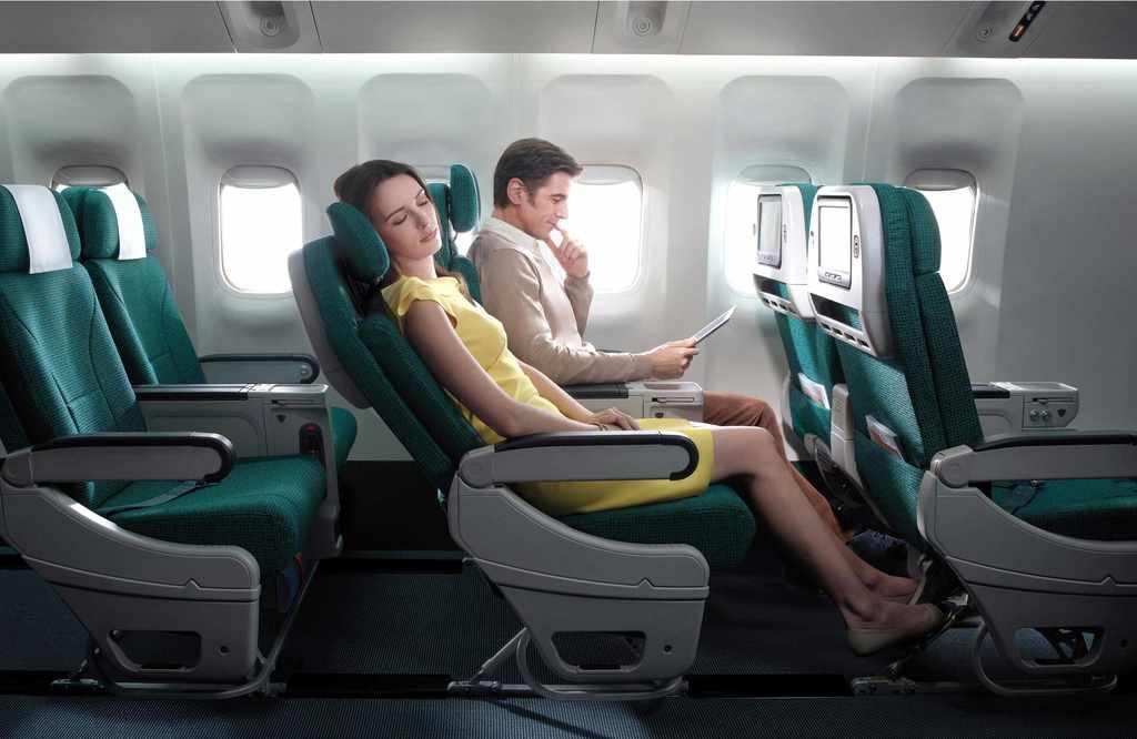 Apesar de não recomendado, é possível viajar de avião após recuperação completa do tratamento; porém, em casos em que não é possível desmarcar o voo, algumas dicas de movimentação das pernas podem ajudar