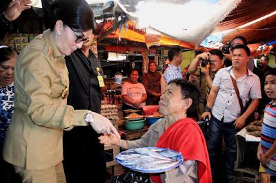 Bupati Minsel Sidak Harga Sembako di Pasar 54 Amurang, Jelang Ramadhan