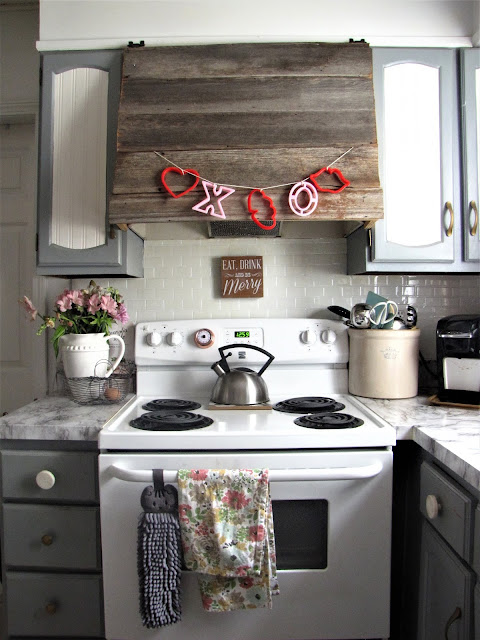 diy valentines garland for decor