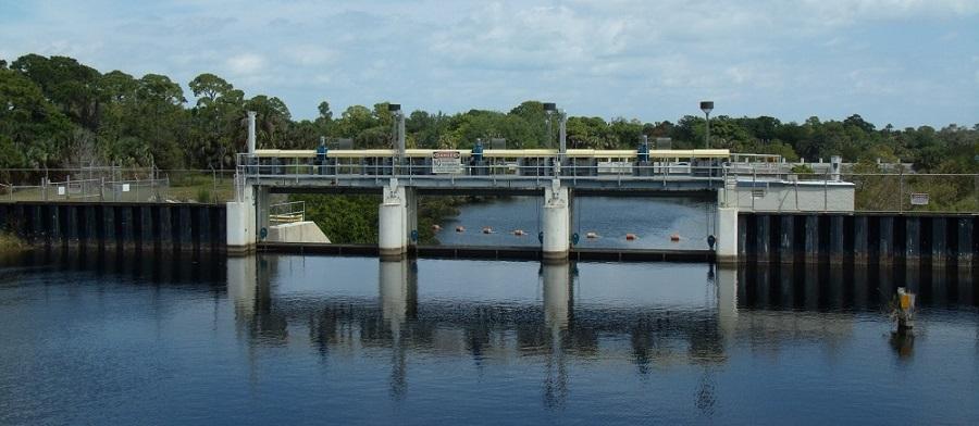 Canalizaciones y estructuras de control de aguas