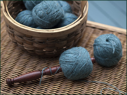 Winding a centre-pull ball of yarn using a Nostepinde, Photo by Moira Ravenscroft, Wyndlestraw Designs