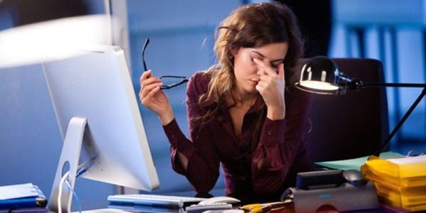 Cara mengatasi mata lelah akibat sering melihat komputer