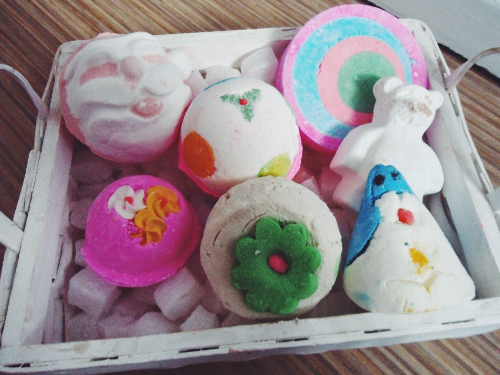 autumn, bath, bathbombs, christmas, christmasbathbombs, cosmetics, lbloggers, lifestyle, lifestylebloggers, lush, lushcosmetics, lushhaul, whatibought, winter,