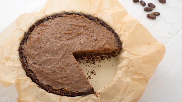 Tarta czekoladowa z kaszy gryczanej z solonym karmelem daktylowym wegańska bezglutenowa roślinna kuchnia blog
