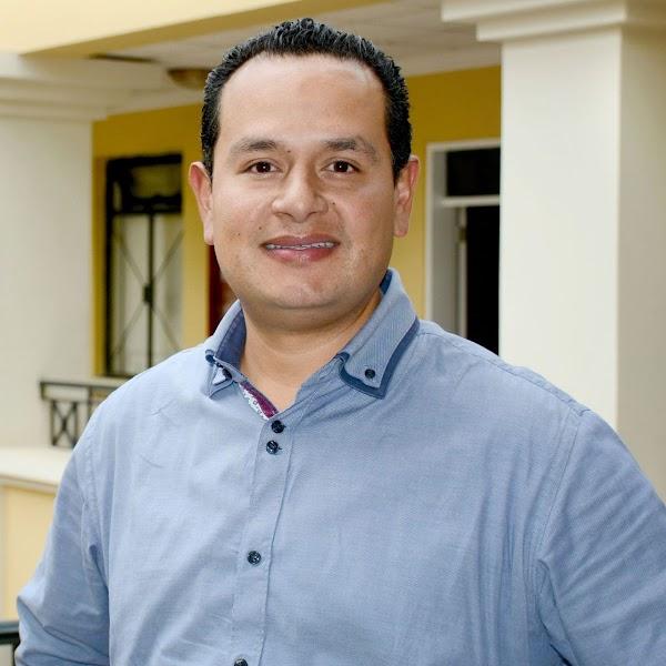 Pablo Carrera, docente del Business School, participa en entrevista para FM Mundo