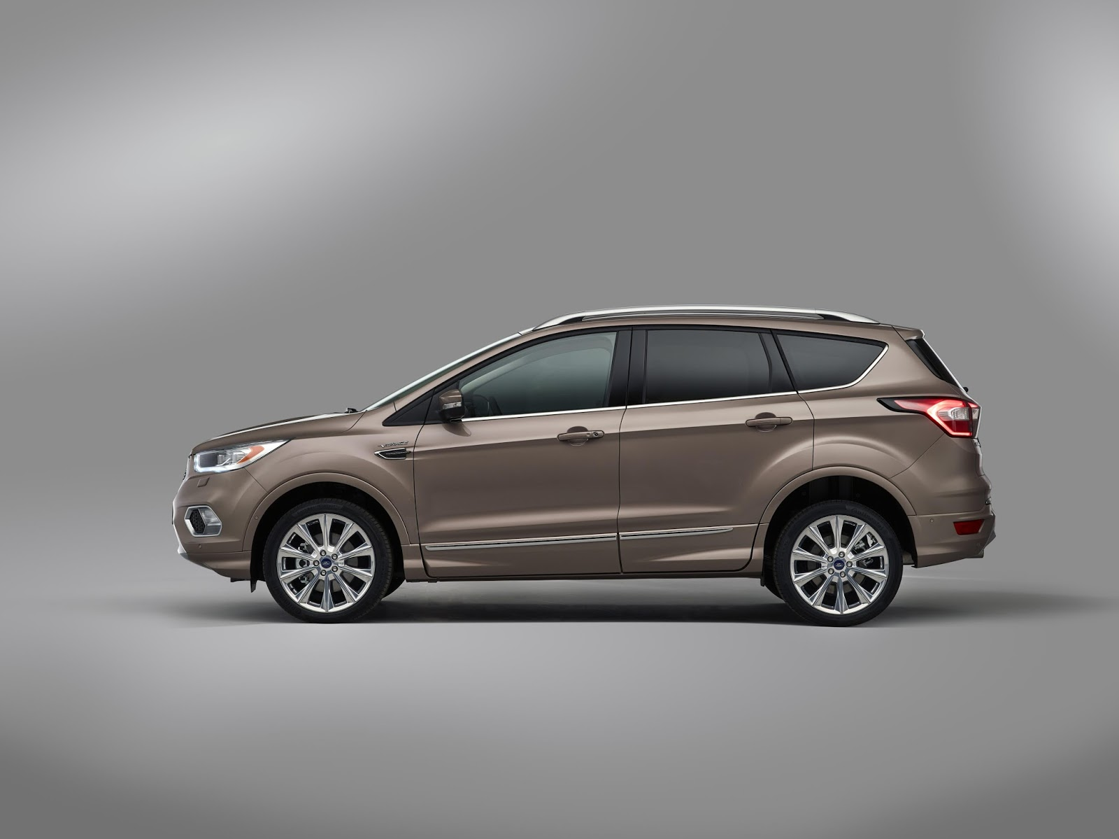 Ford kuga vignale production model confirmed upscale suv available to order later this year