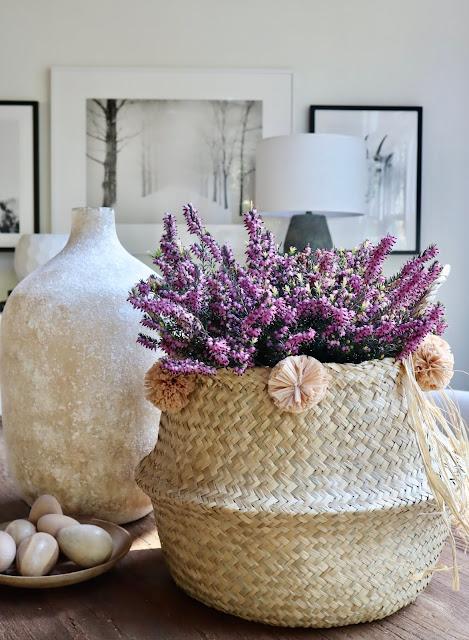DIY raffia pom pom Easter basket