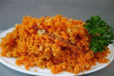 Surówka z marchewki i orzechów
