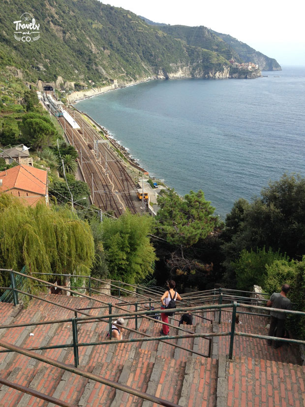 Cinque Terre en un dia que visitar escaleras de Corniglia