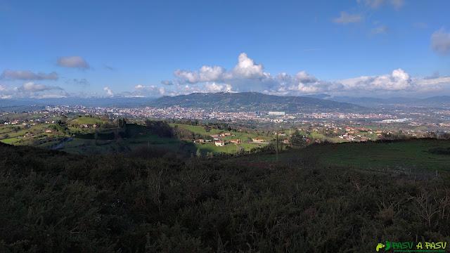 Vista panorámica de Oviedo desde la Grandota