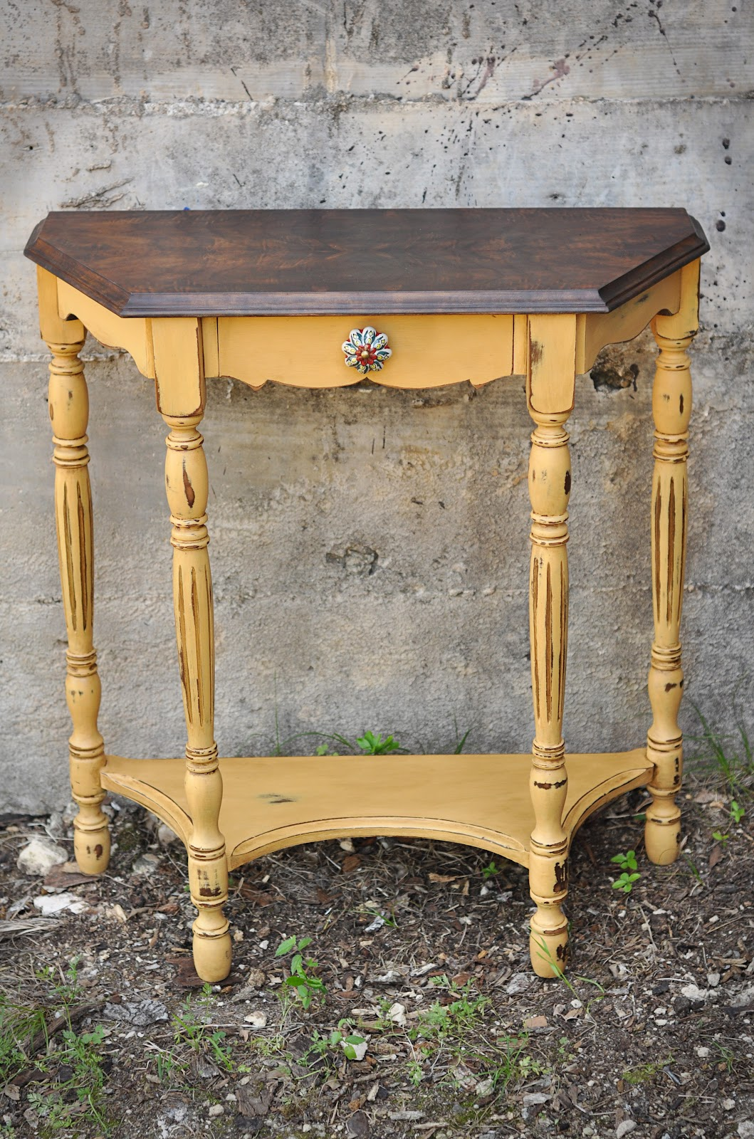 Side Table: Redemption Refinishing: Arles Side Table And Garage Of Good