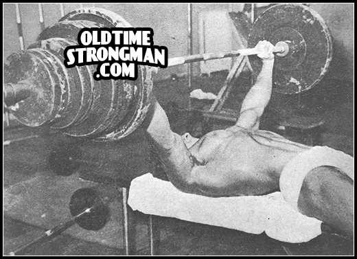 MARVIN EDER Bench Press 430 lbs at the age of 19.
