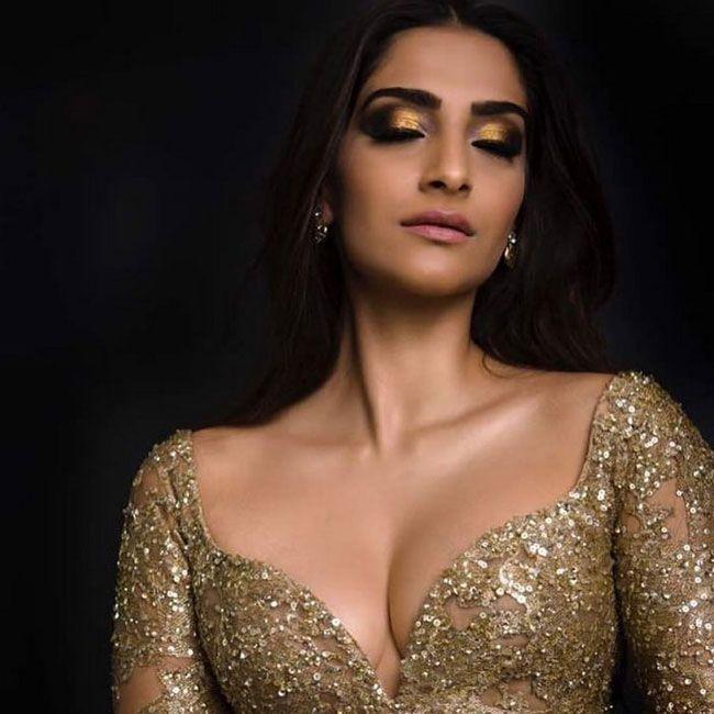 Actors Gallery: Sonam Kapoor Latest Instagram Photos Collection