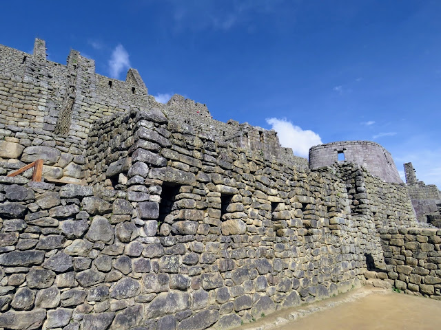 Close-up picture of the ruins at Machu Picchu