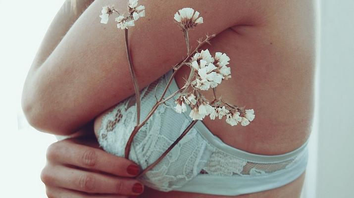 3248126f5 Já foi o tempo em que lingerie eram apenas peças para sustentação e  conforto íntimo