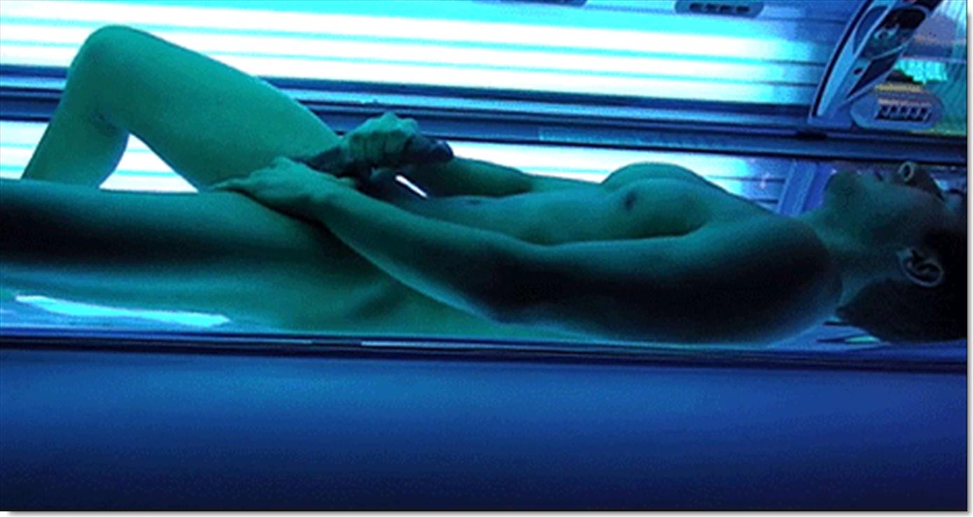 tanning beds naked men