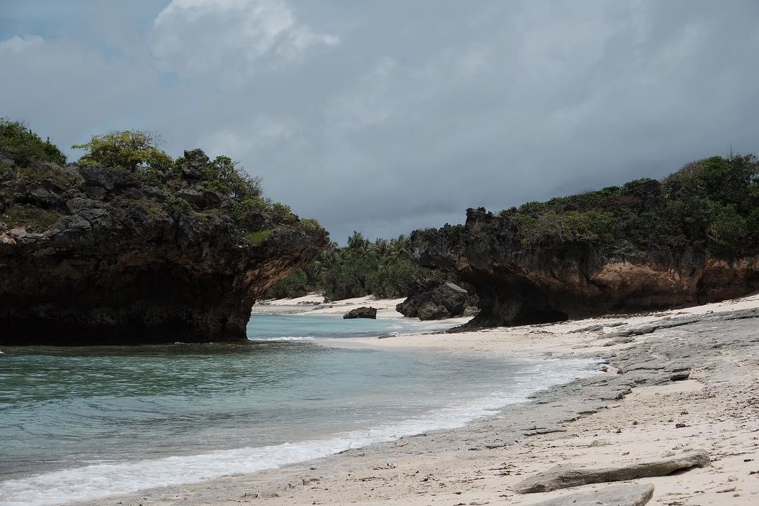 lifu lada beach