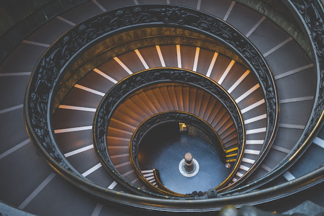 Classic Circular Design Stairs HD Wallpaper