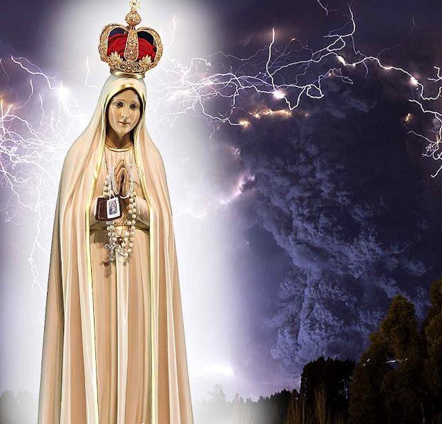 """Os """"erros da Rússia"""" estão sendo dentro da Igreja o flagelo que Nossa Senhora anunciou em Fátima. Fundo: vulcão Cordon Caulle, Chile."""