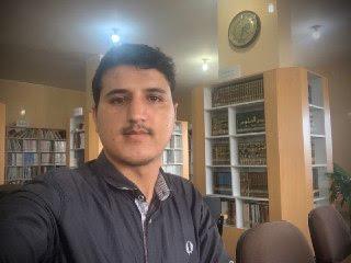 عماد صالح في المكتبة العلمية للجامعة