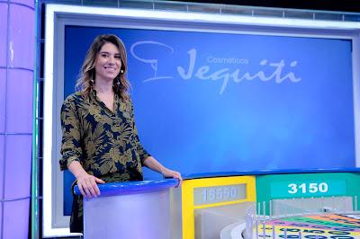 Na foto: Rebeca Abravanel apresenta Roda a Roda. Crédito: Lourival Ribeiro/SBT