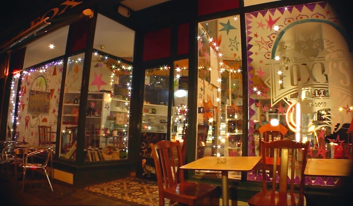 A FESTIVE FILM FOR FOXY'S DELI & CAFÉ!