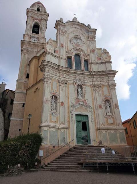 facciata chiesa di san giovanni battista a cervo
