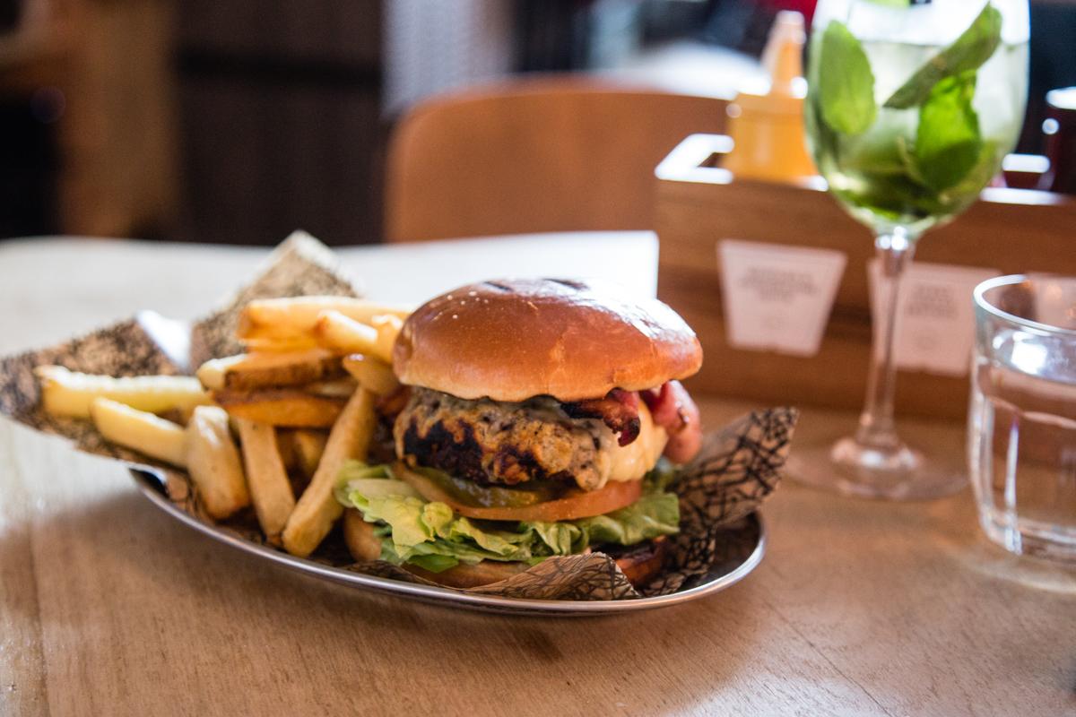 Oaks angus beef burger