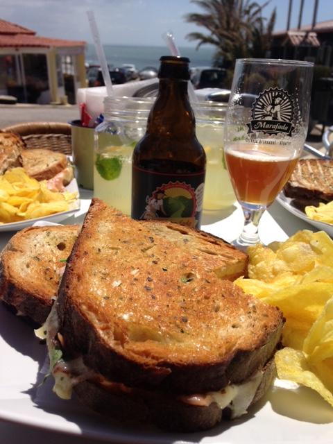almoço na esplanada - Quiosque Rocha do Inferno