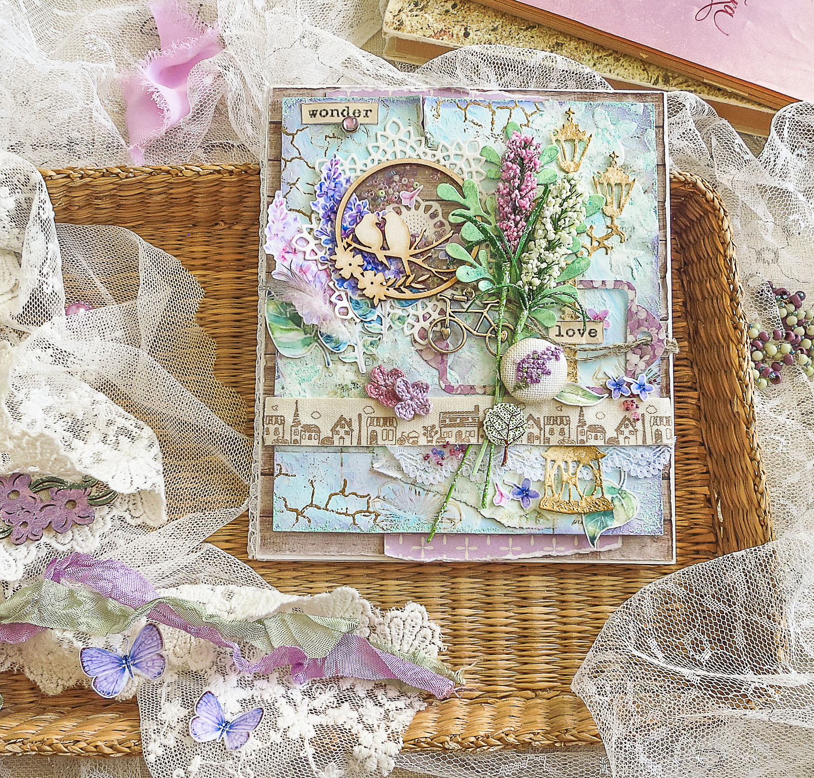 scrapbooking card, spring card, embroidery in scrapbooking, crochet flower, lilac, бузок, листівка скрапбукінг, вышивка в скрапбукинге, сирень, цветы крючком, цветы сирени, скрапбукинг открытка
