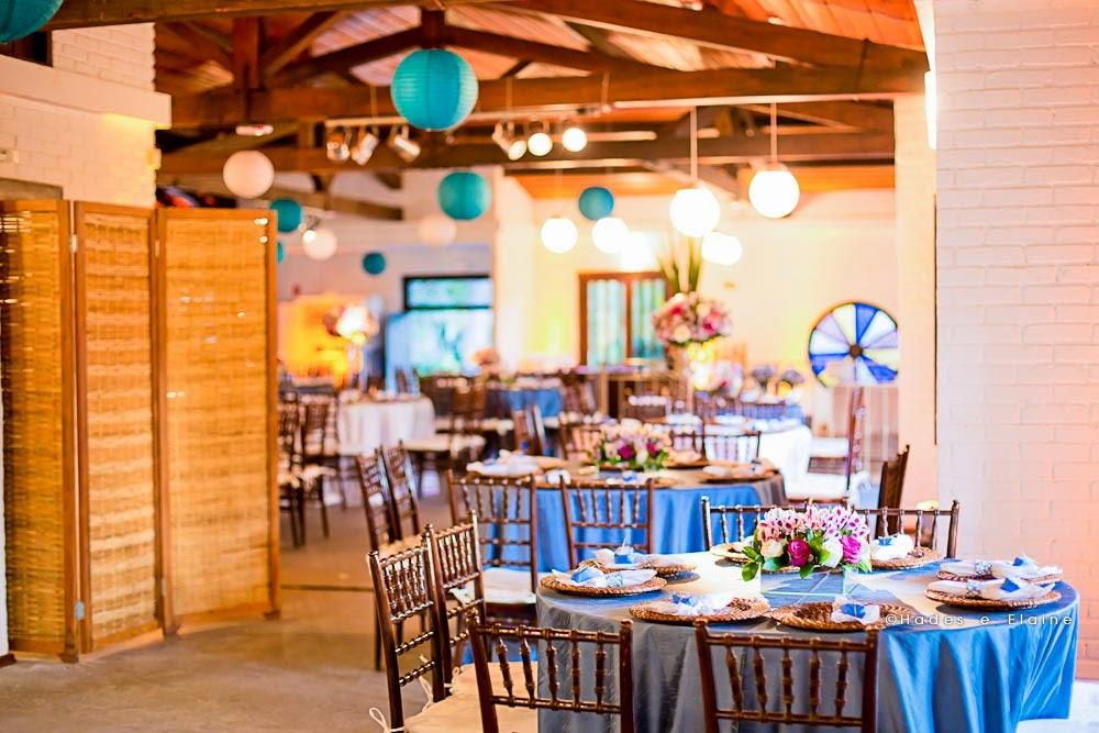 decoração - detalhes - mesa dos convidados - mobiliário rústico - lanternas japonesas - lanternas suspensas